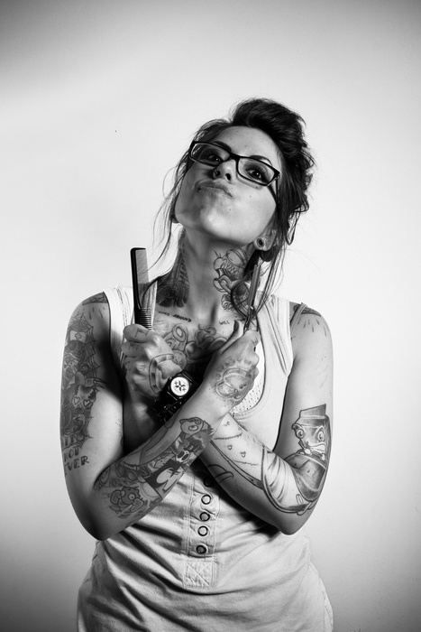 tatts please: Female Barbers, Barbers 3, Tattoo Perfect, Barbers Shops, Tattoo I Dig, Tattoo Girls, Tattoo Lovers, Needle Art, Sexy Woman