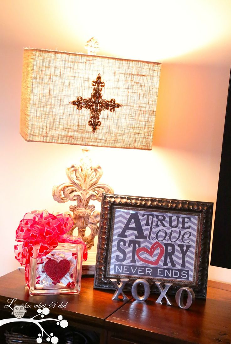 A few Christmas' ago I made a glass block using the Krylon Glitter Blast spray paint. You can see that post HERE . I received so many co...