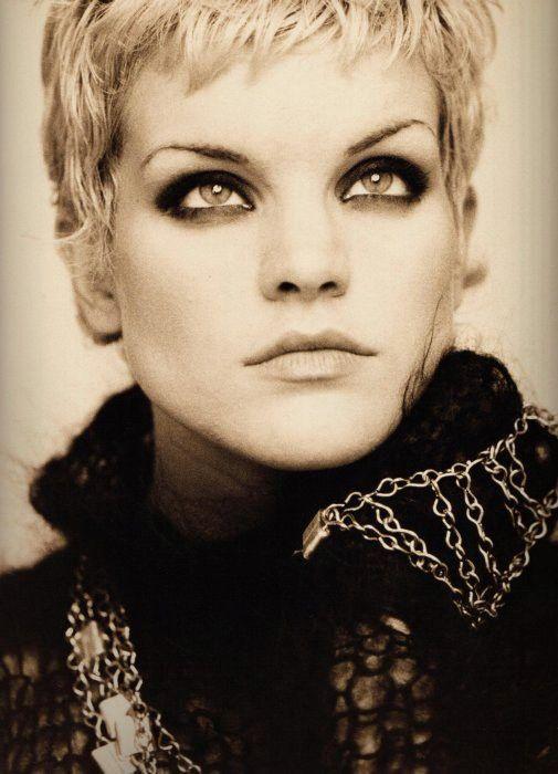#Pauley_Perrette #beauty #style #portrait #hair #pixie #makeup                                                                                                                                                                                 Plus