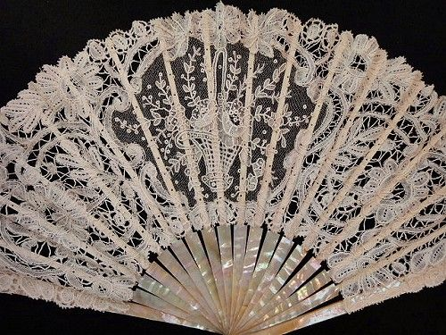 Another beautiful lace fan