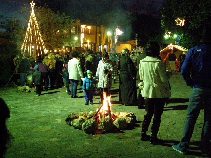 Φωτογραφίες από την πρώτη χριστουγεννιάτικη εκδήλωση στη πλατεία της Ψίνθου (21/12/2014)