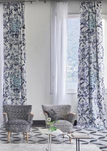 designers-guild-collectie-behang-kussens-gordijnen-bloemen-flora-plaids-kleur-op-kleur-interieur-2017-500x700-10