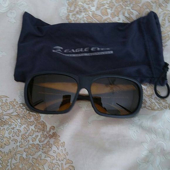 Eagle eyes optics advance yellow lenses New, sporty ... Very nice glasses.. Comkes with dust bag.. Great reviews ... Ref: eagleeyewear.com for reviews -prices Eagle eyes Accessories Sunglasses