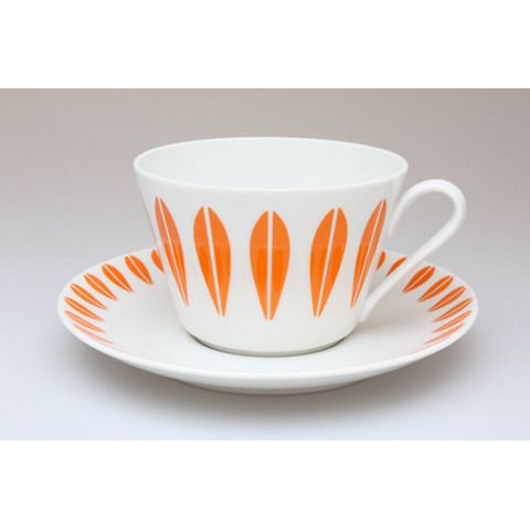 Cathrineholm lotus pattern on pottery by Lyngby of Denmark