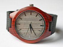 Elegancki drewniany zegarek z sandałowca