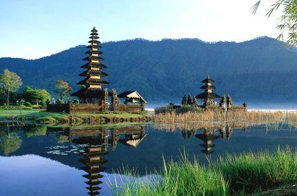 """#Indonesia - C'era una volta, nel #Pacifico, l'isola di #Bali...c'è ancora...ma è profondamente cambiata, sotto le """"spinte centrifughe"""" di un turismo internazionale e tritatutto. Nella mistica Bali induista di un tempo, le """"curiosità"""" erano diverse."""