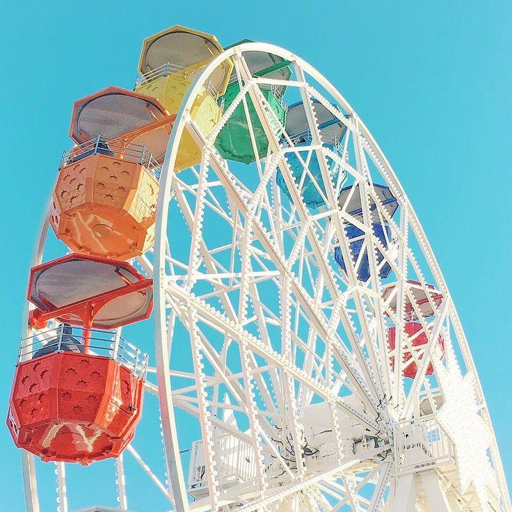 Giradabo  #panoramicwheel #colors #igersbarcelona #igersspain