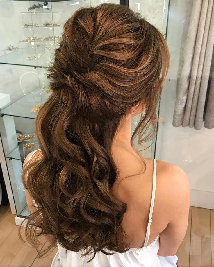39 Wunderschone Half Up Half Down Frisuren Fabmood Hochzeitsfarben Hochzeitsthemen Hochzeitsfarbpaletten Hochzeitsfrisuren New Site Medium Haare Haar Styling Frisuren Offene Haare