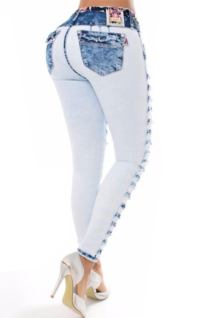 Los vaquero  push up, son ampliamente conocidos por el efecto pum-up que incorporan un nuevo estilo gracias al diseño de pinzas laterales, creamos un patrón exclusivo para controlar el abdomen #Vaqueroscolombianos#Vaquerospushup #jeanspushup#Vaquerospitillo#pantaloncolombiano #tejanos los consigues en www.hadabella.com