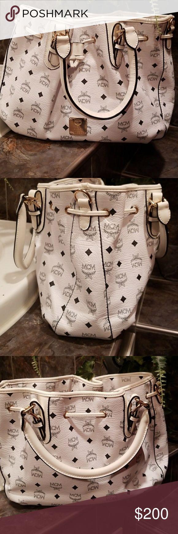 New MCM bag New white MCM handbag with dust bag MCM Bags Hobos