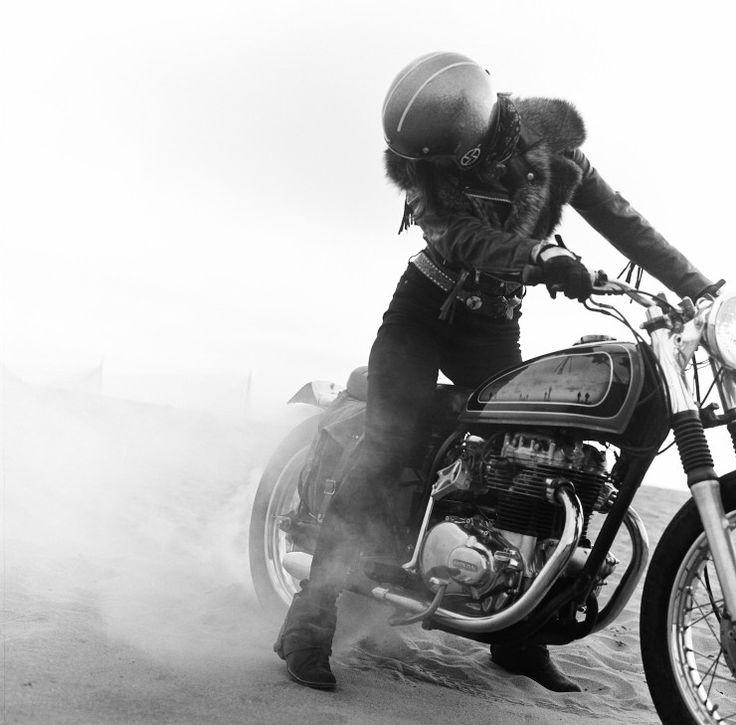 The Women's Motorcycle Exhibition by Lanakila MacNaughton - Silodrome