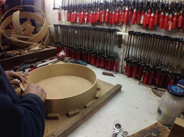 Guarda il video: http://www.salentoweb.tv/video/8564/lecce-bottega-tarantola-costruttore-tam