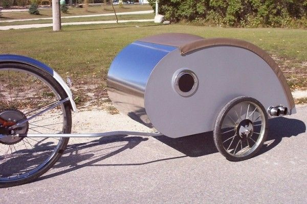 Another great teardrop bike trailer. The window they added is a nice touch.