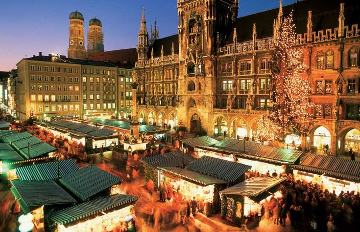 De Viena a Praga, de Berlín a Madrid, de Ludwigsburg a París, prácticamente todas las ciudades europeas han montado tradicionales mercadillos navideños en sus plazas más ilustres. Los que te mostramos parecen de cuento, en ellos se vive a fondo la genuina tradición de la Navidad.