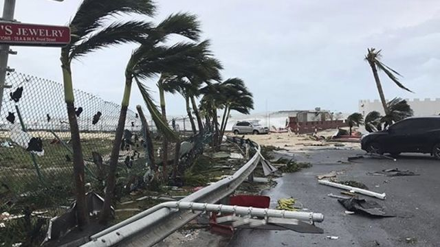 Σε κατάσταση συναγερμού η Κούβα λόγω τυφώνα Ίρμα: Σε κατάσταση «συναγερμού» κήρυξαν σήμερα την Αβάνα οι κουβανικές αρχές, λόγω του…