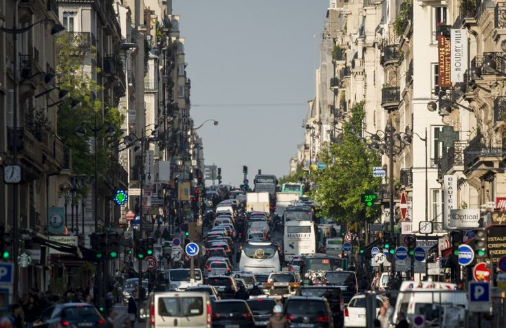 """The mayor of Paris said the policy showed that the cities """"no longer tolerate air pollution and the health problems and deaths it causes."""" (Photograph by Fred Dufour 