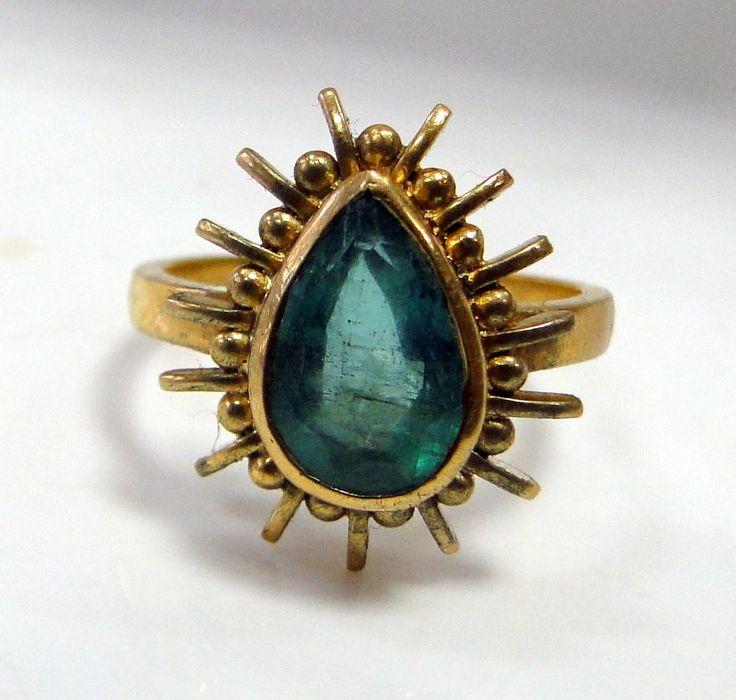 Emerald ring vintage 18 K solid gold natural Emerald ring 530