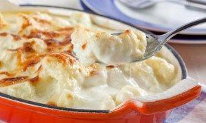 Receita de Bolo com pêssegos e glacê de leite em pó - GRANIG RECEITAS