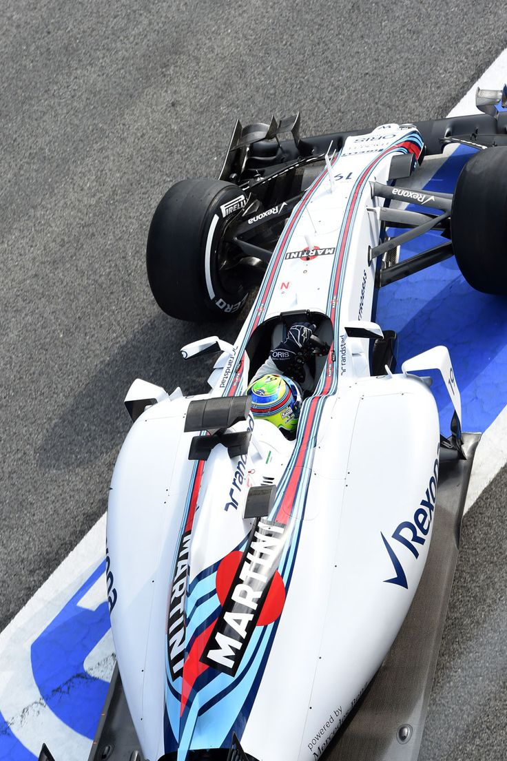 Felipe Massa pulls out of the Williams garage @ the 2015 #F1 Barcelona test