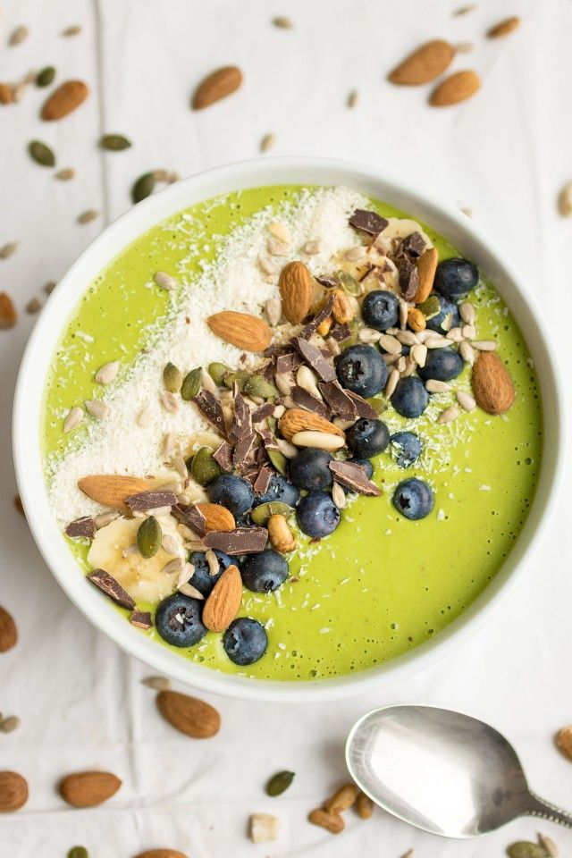 Smoothie Bowls are a fun way to get some fresh produce into your mornings! Start off with the same base and customise your bowls into one of my 3 recipes! Top them will all sorts of great ingredients and enjoy your colourful smoothie bowl in the morning!