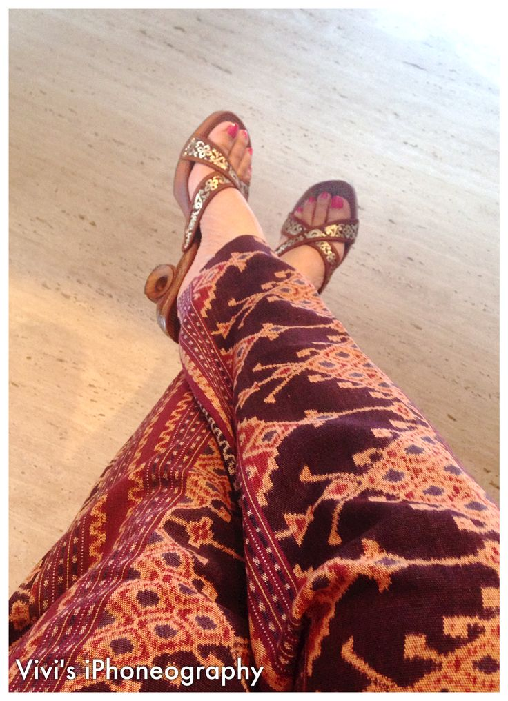 Wearing my pants made of Tenun Maumere Sarong & Kelom Geulis (wooden wedges from Tasik West Java) ❤️❤️❤️