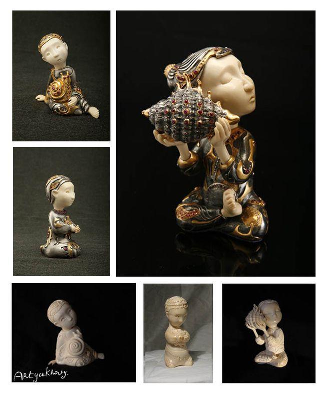 Небольшие детские фигурки из бивня мамонта сейчас реализованы в ювелирном варианте - серебро, позолота и драгоценные камни. Выпущены небольшой серией.