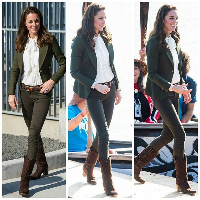 #NEWS #NEW #TODAY The Duke and Duchess travel to Haida Gwaii, British Columbia for a variety of engagements. Kate is wearing a white shirt by Alice Temperley.  #seventhdayoftheroyaltour #royaltourofcanada  30 September 2016 . . . . #picoftheday #postoftheday #bestoftheday #Katemiddleton #theduchess #duchessofcambridge #royals #Catherine #elizabeth #princewilliam #beautiful #princesskate #lovely #queentobe #catherinethegreat #happiness #royalty #lovethem #british #canada