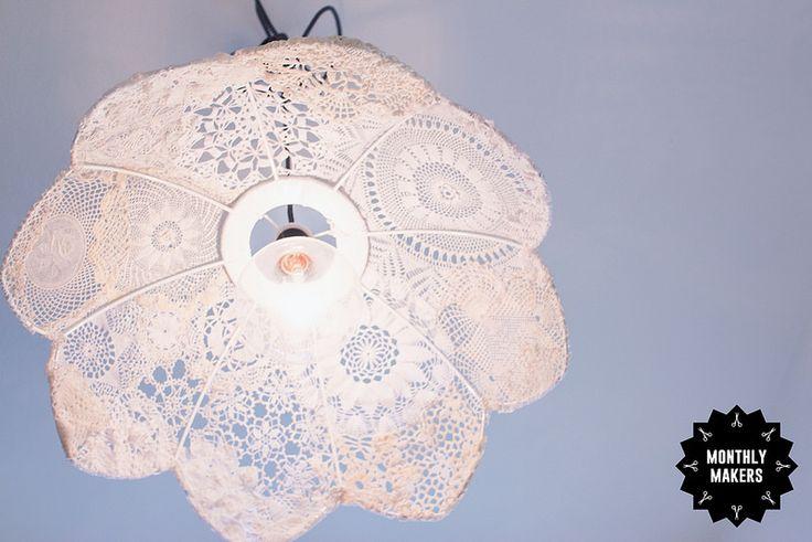Återbrukad lampa av spets av Elsa Lisa Larson