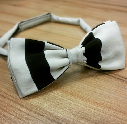 Dasi Kupu-Kupu Monokrom Bowtiehouse  #Bowtie #Black #White #BW #Authentic