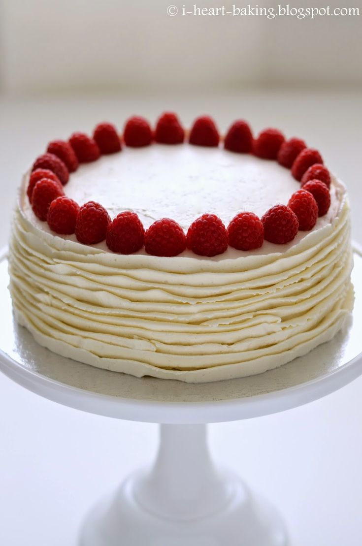 Japanese Cheesecake with Whipped Cream Frosting and Raspberries l i heart baking