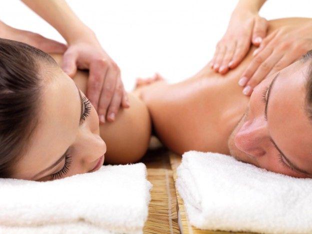 Warum alleine, wenn es auch mit Ihren Liebsten geht?  Lassen Sie sich gemeinsam verwöhnen und schalten Sie zusammen ab. Im Romantik- und Wellnesshotel Keßler-Meyer haben Sie die Ruhe, um sich ganz auf sich zu konzentrieren.  #hotel #cochem #relax #wellness #satisfaction #entspannung #hotstone #sauna #ayurveda #romantik #kesslermeyer #beauty #spa #kamin #couple #romantic #paare #massage #urlaub #holidays #vacation #mosel