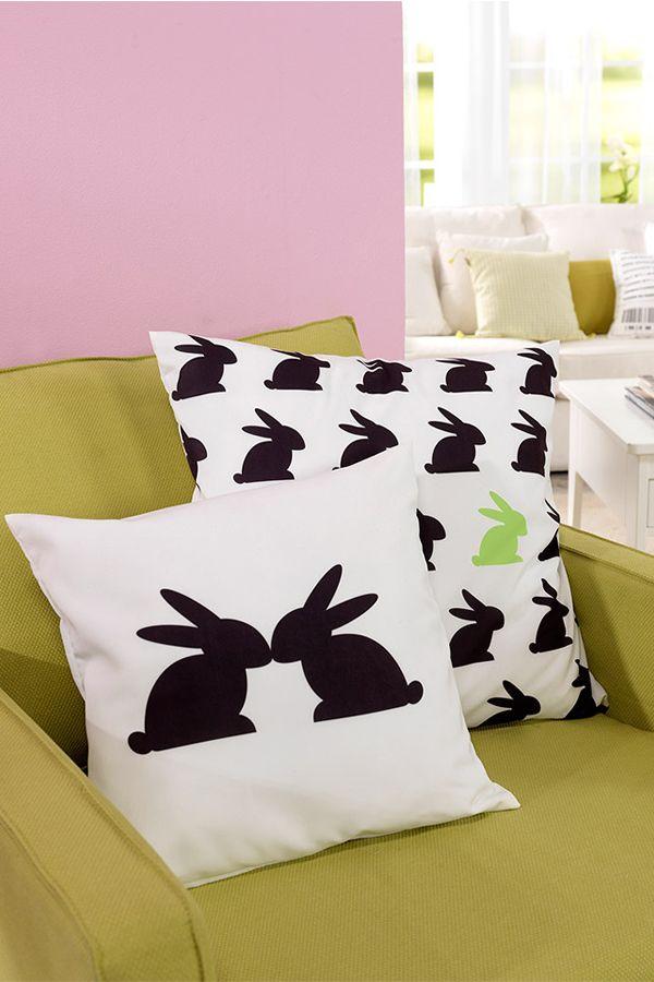Brauchst du noch eine schöne Vorlage zu Ostern? Wie wäre es mit unseren kleinen Hasen... :) In unserem Blog kannst Du Dir diese Vorlage kostenlos Herunterladen!  #ostern #vorlagen #kissen #hase #deko