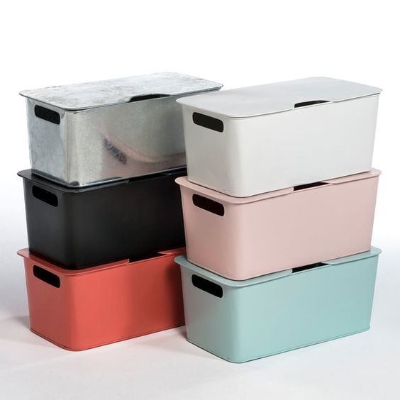 Arreglo Storage Box AM.PM. : price, reviews and rating, delivery. Arreglo Storage Box. New range with rounded corners for a look that combines retro and modern. Scandinavian style with simple lines and soft colours! Easy flip-top lid. Hand slots either side for easy carrying. Stackable. Size: L 40 x D 20 x H 20 cm. Galvanised metal or coated with matt effect epoxy paint. Stamped AM.PM.: