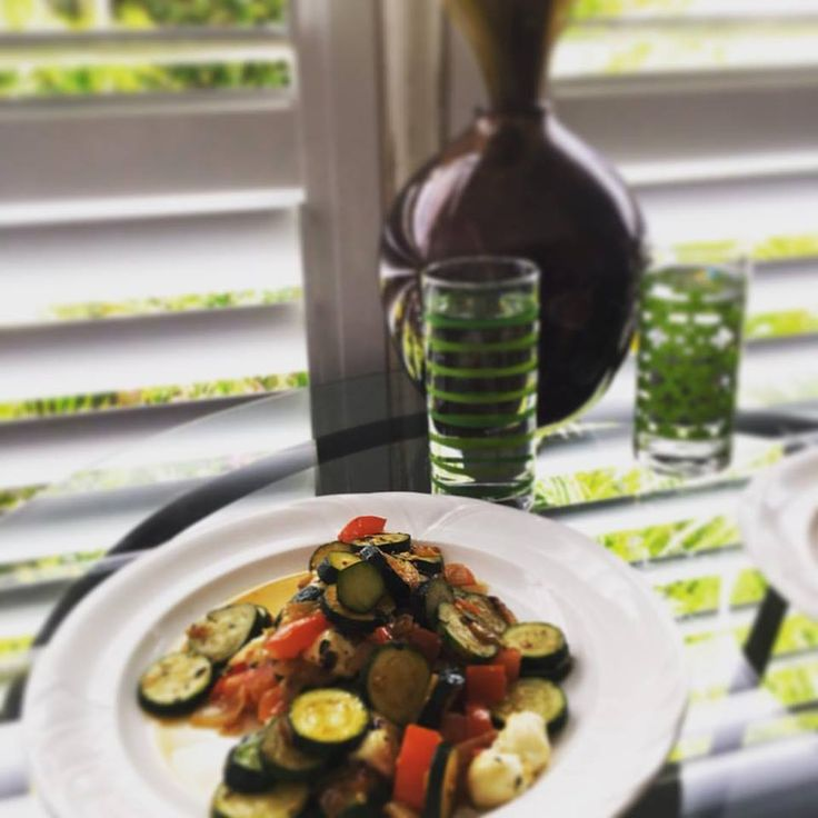 Stir-fried zucchini for lunch! #brisbanefood #hotdish #vegetables #vegen #goodforyou