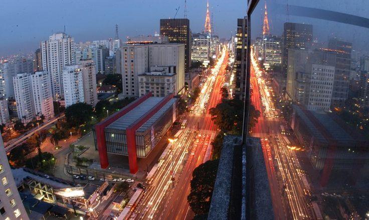 São Paulo é o 2º país mais visitado por estrangeiros: http://guiame.com.br/vida-estilo/turismo/sao-paulo-e-o-segundo-destino-mais-visitado-por-estrangeiros-no-brasil.html