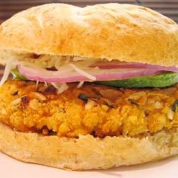 All-Star Veggie BurgerAll Stars Veggies, Veggie Burger Recipes, Maine Dishes, Yummy Recipe, Veggies Burgers Recipe, Hamburguesas Vegetariana, Burgers Mania, Veggie Burgers, Vegie Burgers