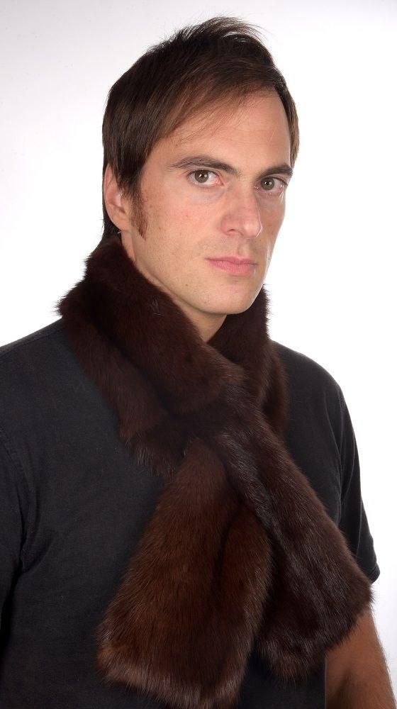 Soffice ed elegante sciarpa in pelliccia unisex, in pregiato ed autentico zibellino naturale.  www.amifur.it