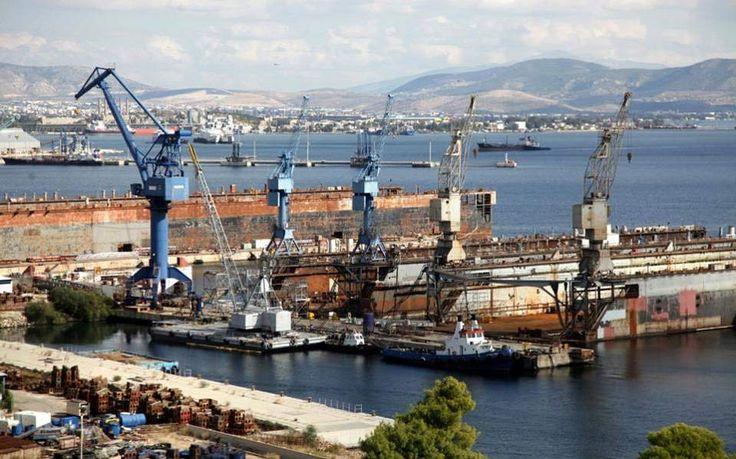 Έσπασαν οι κάβοι σε δυο παροπλισμένα πλοία στην Ελευσίνα λόγω των ισχυρών ανέμων : aek365