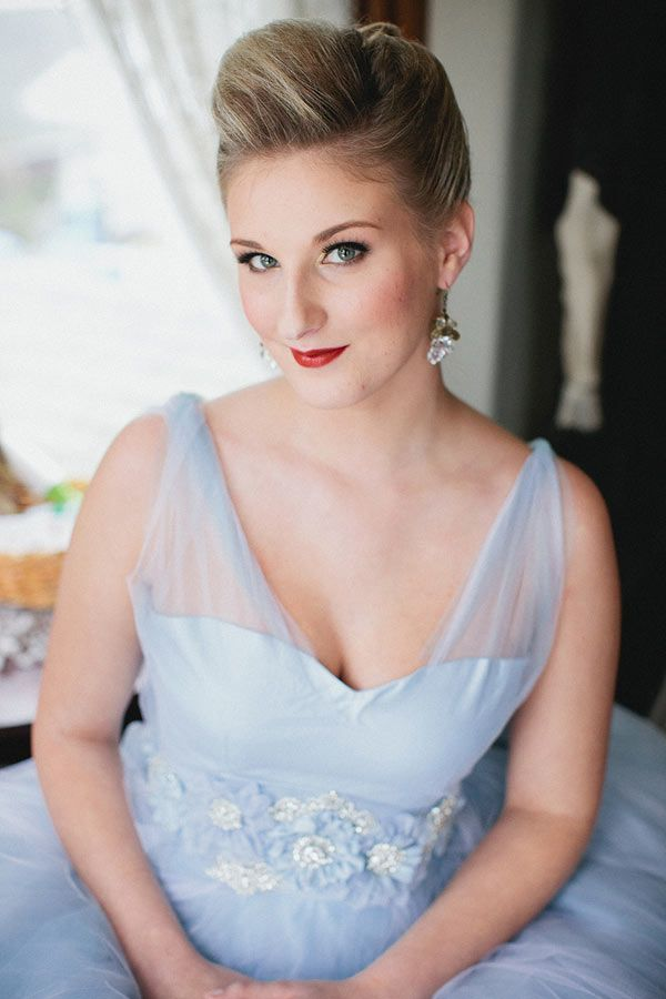 Ice Blue and Crimson Wedding Ideas - this goes with the shot of the bouquet and red satin shrug - so pretty!