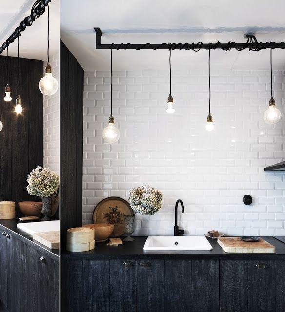 blog.oanasinga.com-interior-design-photos-rustic-industrial-black-and-white-kitchen