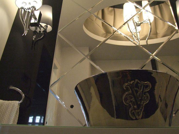 bath mirror wall