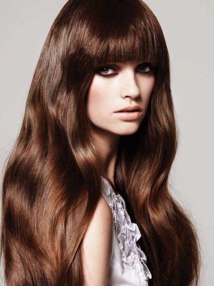 Модный темно-каштановый цвет волос
