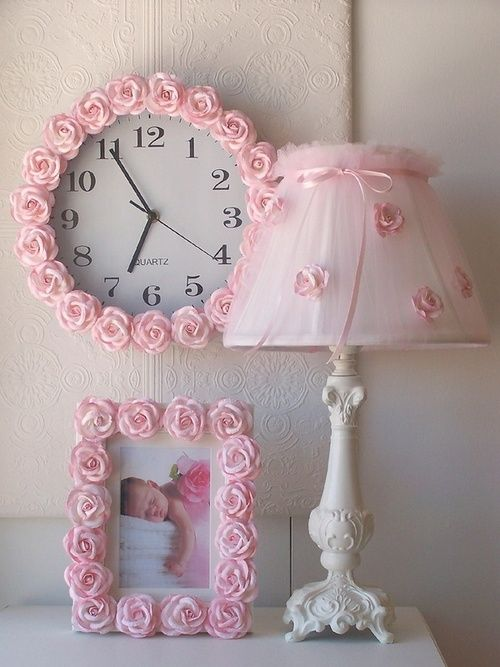 This would be so sweet in a baby girl's room.