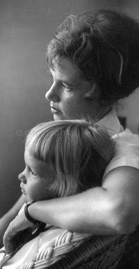 Με την κόρη της, Simone