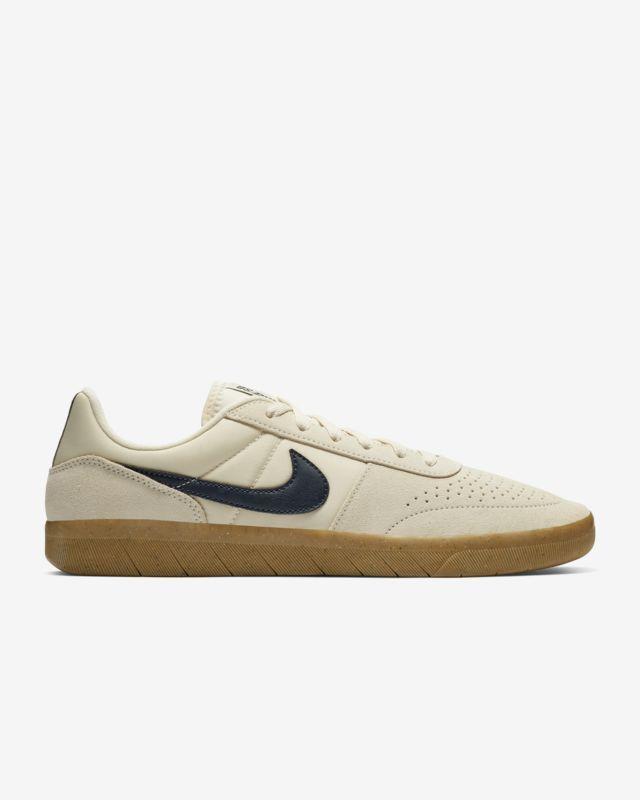 Nike Sb Team Classic Men S Skate Shoe Nike Com Gb Mens Skate Shoes Skate Shoes Nike Sb