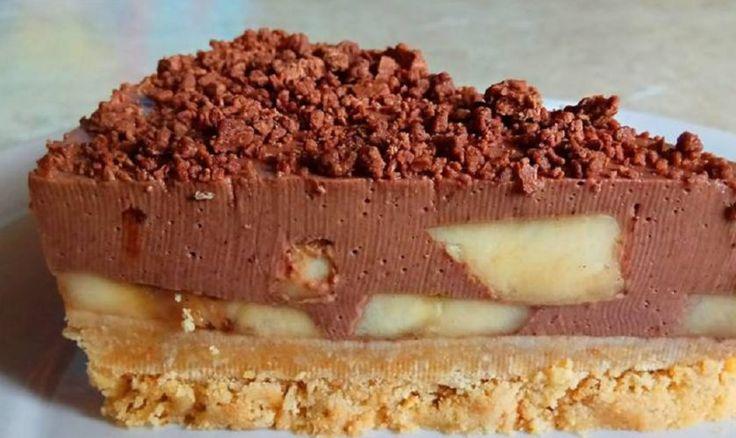 Tort de ciocolata cu banane si blat de biscuiti care nu necesita coacere