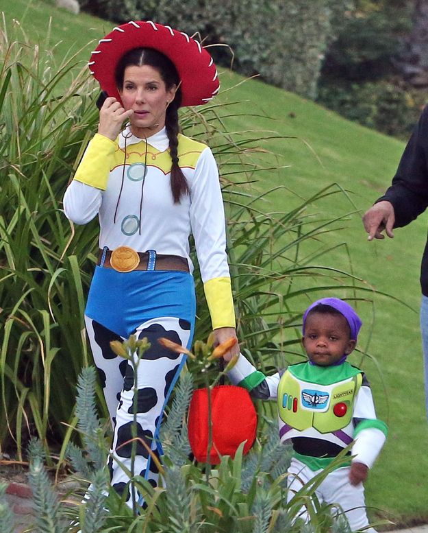 Sandra Bullock | The Best And Worst Celebrity Halloween Costumes Of 2012
