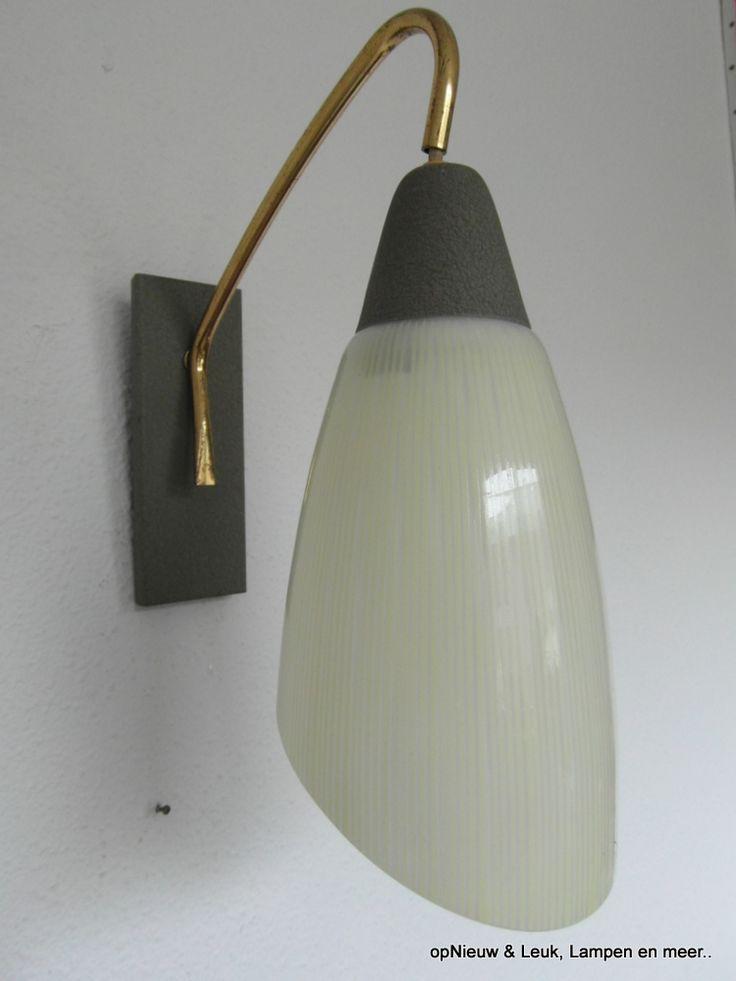 meer dan 1000 idee n over vintage lampen op pinterest retro lamp tafellampen en lampen. Black Bedroom Furniture Sets. Home Design Ideas