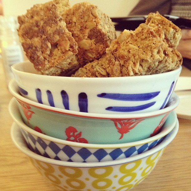 Rusks in bowls