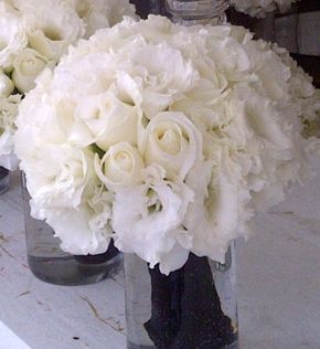 wedding bouquets flowers 2 white lisianthus amp white roses bridal bouquet white 8507